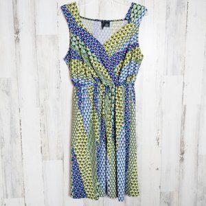 Size 1X Dress Sleeveless V-Neck Cute Print